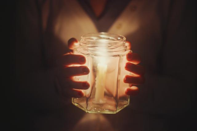 gi-candle-ilumination-in-jar